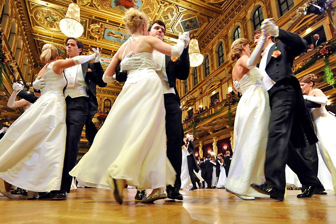 APA1770784 - 22012010 - WIEN - …STERREICH: Eršffnungspaare bei der Eršffnung des Philharmonikerballs 2010 im Wiener Musikverein am Donnerstag, 21.Jaenner 2010. . APA-FOTO: HERBERT PFARRHOFER